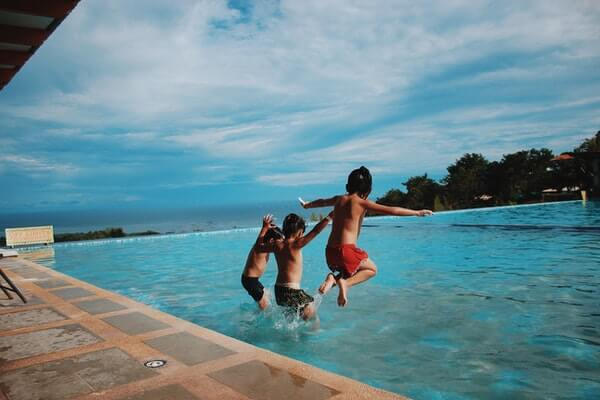 what is best pool temperature to swim in